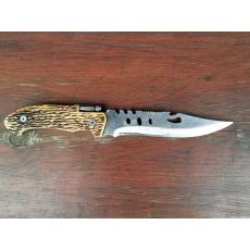 použitý nůž s baterkou