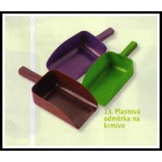 plastová odměrka na krmivo