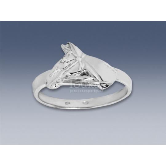 prsten koňská hlava